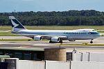 Cathay Pacific, B-LJB, Boeing 747-867F (28382900151).jpg