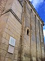 Château de Pons, plaques à Edgard Combes et Pierre Dugua.jpg
