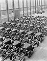 Chassis van Ford trucks opgesteld tbv assemblage, Bestanddeelnr 252-0946.jpg