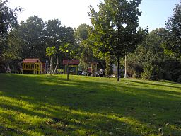 Children corner in Tasmajdan park.jpg