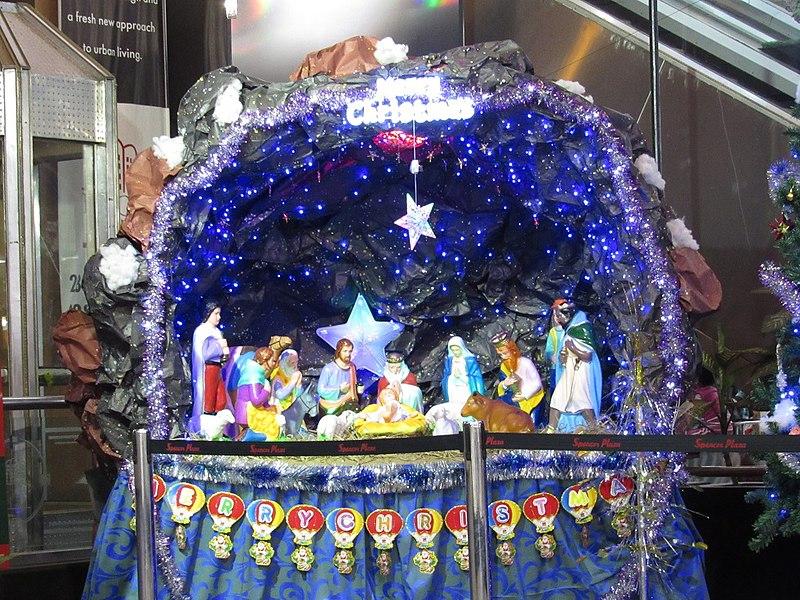 File:Christmas-celebrations-at-spencer-plaza-chennai.jpg