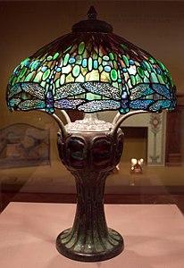 Clara pierce wolcott per tiffany studios, lampada ombra di libellula su base mosaicata guscio di tartaruga, ante 1906, 01.jpg