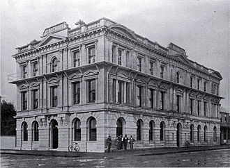 Clarendon Tower - Clarendon Hotel soon after its construction in 1903