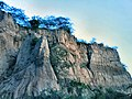 Cliff on the Fault-Line - panoramio.jpg