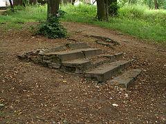 Konservierte Treppen auf dem Friedhof