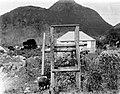 Collectie Nationaal Museum van Wereldculturen TM-10021359 Een kleine houten molen op Saba Saba -Nederlandse Antillen fotograaf niet bekend.jpg