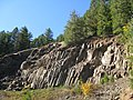 Columnar andesite along North Umpqua river (3022327208).jpg
