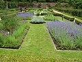 Connemara- Kylemore Abbey - Viktorianischer Mauergarten - panoramio (1).jpg