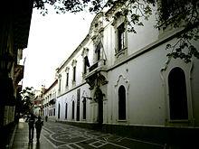 """Gebäude der """"Facultad de Derechos y Ciencias Sociales"""" im ..."""