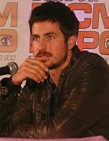 Description de l'image  Craig Olejnik at the MCM Expo, London 2011 cropped.jpg.