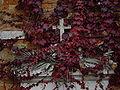 Croce e foglie autunnali - Foto di Giovanni Dall'Orto.jpg