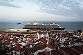 Cruise Ship (40192877152).jpg
