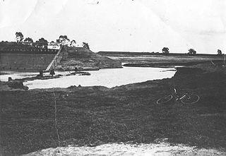 Laanecoorie Weir lake in Australia