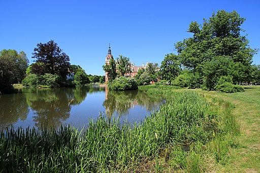 Das neue Schloss im Fürst- Pückler-Park..2H1A1118WI