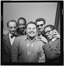Dave Lambert, John Simmons, Chubby Jackson, George Handy, and Dizzy Gillespie, William P. Gottlieb's office, New York, N.Y., ca. July 1947 (William P. Gottlieb 10248).jpg