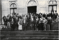 Delegates of the First International Peace Conference at The Hague, 1899.png