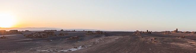 Desierto de Lut, Irán, 2016-09-22, DD 10-12 PAN.jpg