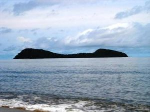 Double Island, Queensland - View of Double Island from shore, 2005