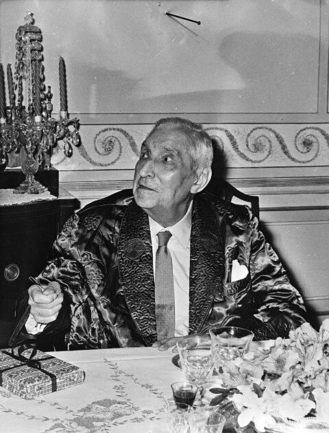 File:Dr. Antonio de Oliveira Salazar , ex-premier Portugal, 80 jaar, Bestanddeelnr 922-3733.jpg