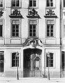 Dresden, Seestraße 18, Saulsches Haus (Ministerhotel) , 1752 bis 1753 von Johann Christoph Knöffel für Ferdinand Ludwig von Saul erbaut .jpg
