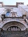 Duomo particolare dal basso.jpg