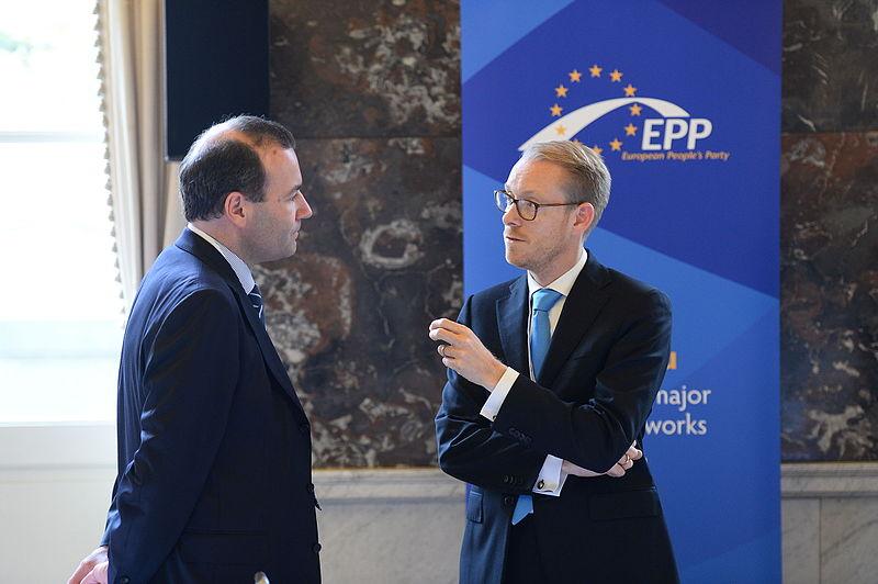 File:EPP Summmit, Brussels; October 2014 (15422886980).jpg