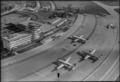 ETH-BIB-Flughafen Zürich-Kloten, Abflughalle, Flugzeuge-LBS H1-014557.tif