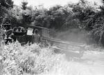 ETH-BIB-Gruppe Männer bei Autoreparatur-Kilimanjaroflug 1929-30-LBS MH02-07-0288.tif
