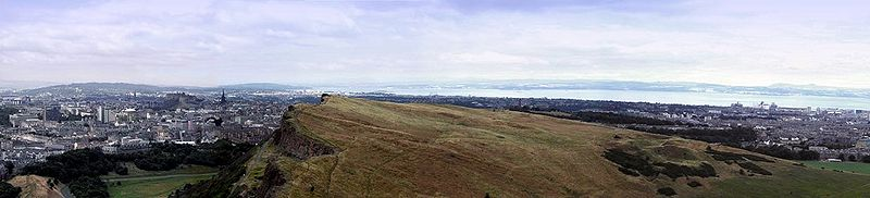 Panoramic view of Edinburgh from the top of Arthur's Seat