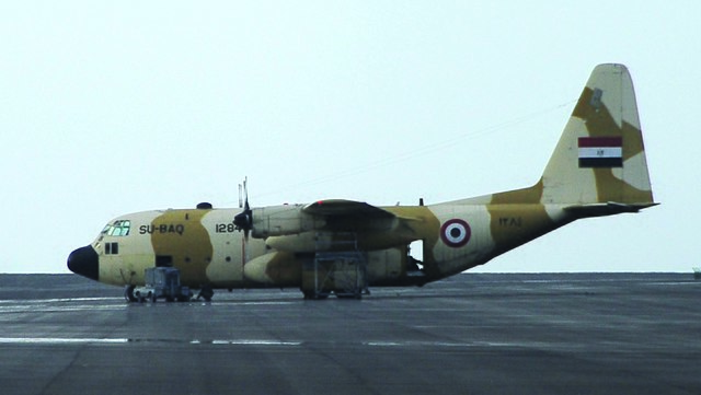 محاكي طائرة السي 130 H لمصر 640px-Egyptian_C-130_Hercules_SU-BAQ_1284