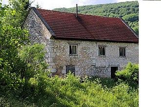 Dabar, Lika-Senj County - Image: Ehemaliges Herrenhaus