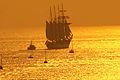 El buque escuela Juan Sebastián Elcano partiendo de la Bahía de Bayona-05.jpg