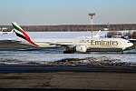 Emirates, A6-EBO, Boeing 777-36N ER (40452889234).jpg