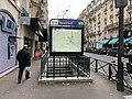 Entrée Station Métro Boucicaut Paris 4.jpg