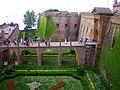 España, Barcelona, Castillo de Montjuich, antiguo Museo Militar de Cataluña. Vista del baluarte sur, el foso perimetral transfomado en jardín y el puente de acceso a la fortaleza. - panoramio.jpg