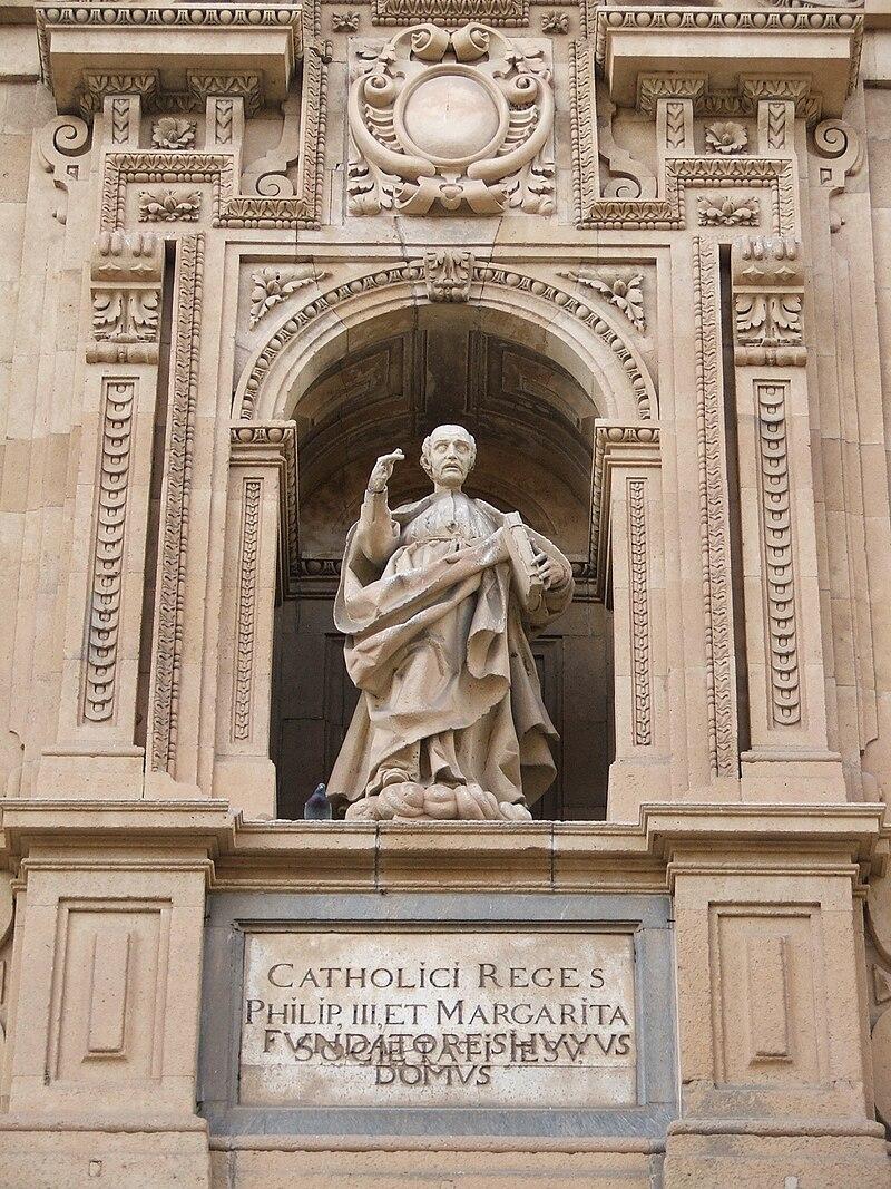 Estatua Clerecía.jpg