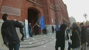File:European Balcony Project - Declaration of the European Republic - Reading of the Manifesto at Rotes Rathaus 10 November 2018 16 00.webm