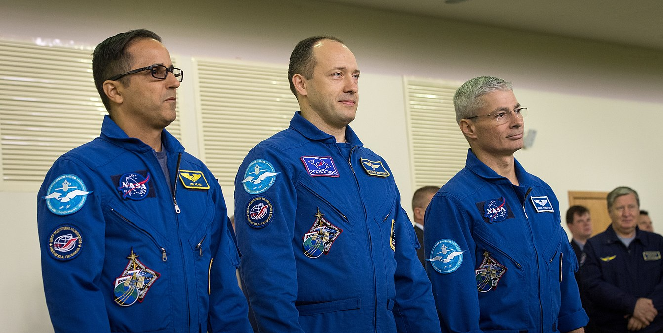 Expedition 53 Qualification Exams (NHQ201708300017).jpg