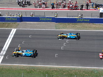 2006 Spanish Grand Prix - The Renault cars of Alonso and Fisichella occupied the front row of the grid.