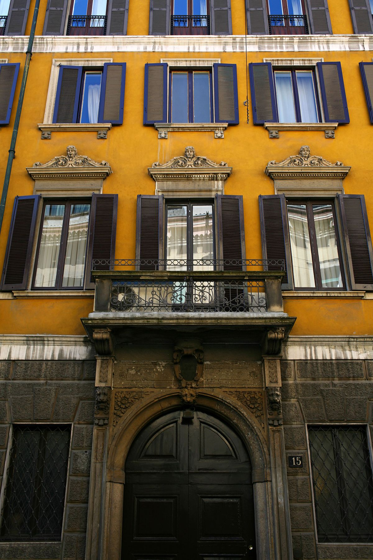 Palazzo recalcati tagliasacchi wikipedia for Piani di palazzi contemporanei