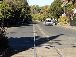 Fauresmith główną ulicę z linią kolejową wzdłuż środka