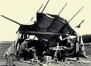 Maintenance, repair and operations - Field repair of aircraft engine (1915-1916)