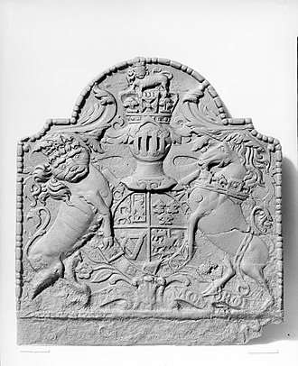 Fireplace fireback - Fireback embossed with royal coat-of-arms of Great Britain, cast at Oxford Furnace, New Jersey during the reign of George II