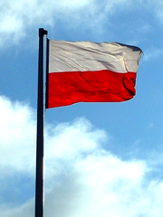 180px-Flag_of_Poland_at_Arkadia_in_Warsa