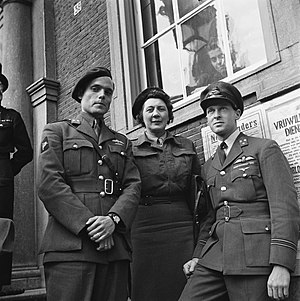 Peter Tazelaar - Tazelaar (left) with Rie Stokvis and Erik Hazelhoff Roelfzema in Breda on 2 May 1945.