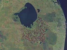 photo satellite du lac Okeechobee en Floride selon la NASA