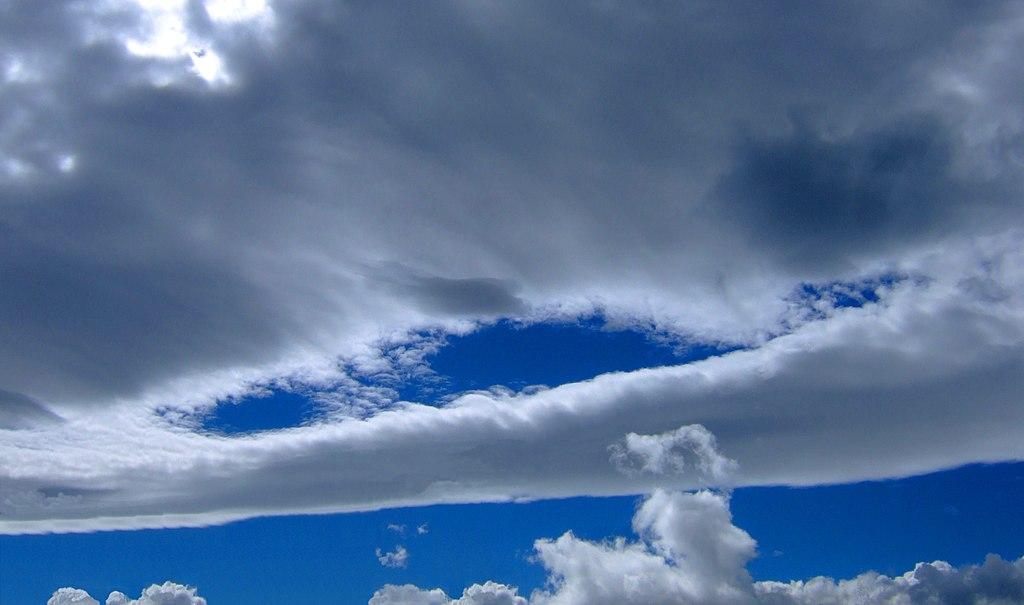 effetto del Favonio sulle nubi di Ginevra