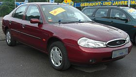 Ford Mondeo MK2 (1997-2000) front.jpg