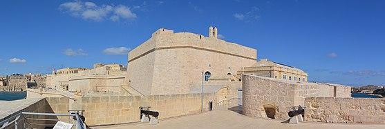 Fort St. Angelo interior 02.jpg