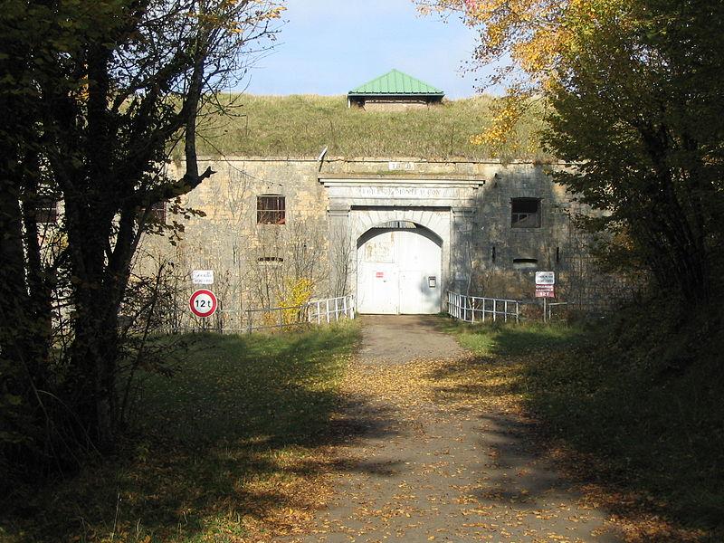 Fr:Môle défensif de Montfaucon